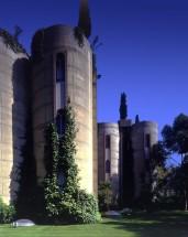 Ricardo_Bofill_Taller_Arquitectura_SantJustDesvern_Barcelona_Spain_OutdoorSpaces_(10)