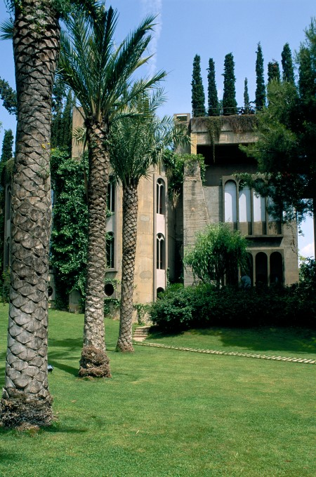 Ricardo_Bofill_Taller_Arquitectura_SantJustDesvern_Barcelona_Spain_OutdoorSpaces_(6)