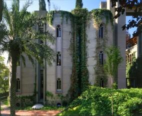 Ricardo_Bofill_Taller_Arquitectura_SantJustDesvern_Barcelona_Spain_OutdoorSpaces_(9)