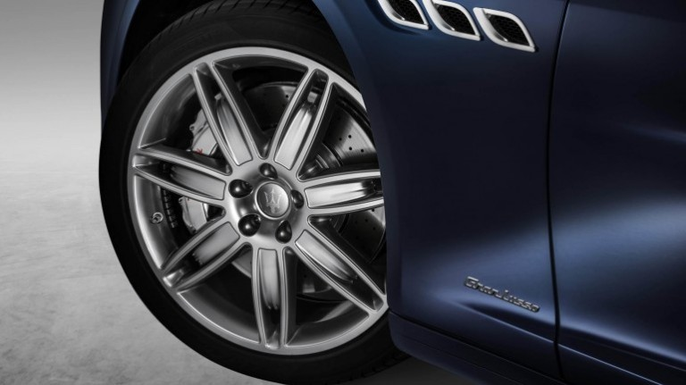 2017-Maserati-Quattroporte-3-770x433